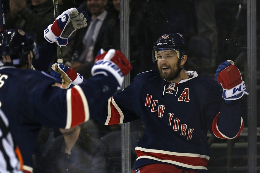 9634054-rick-nash-nhl-boston-bruins-new-york-rangers