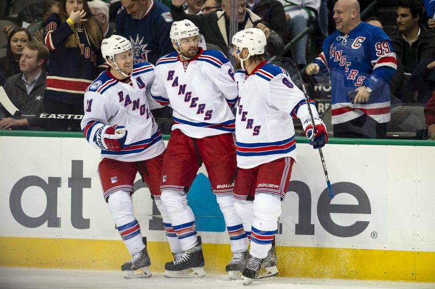 9748173-derek-stepan-kevin-klein-rick-nash-nhl-new-york-rangers-dallas-stars
