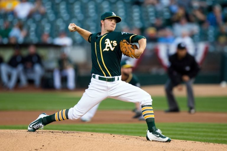 Sonny-gray-mlb-chicago-white-sox-oakland-athletics-768x511