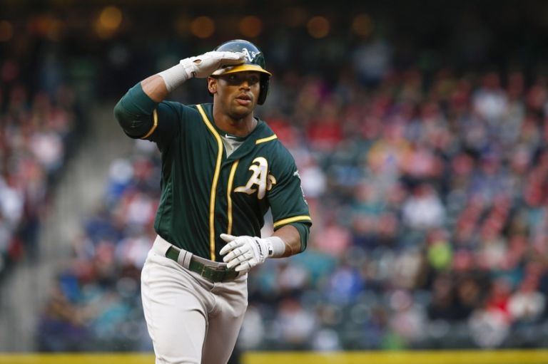 Khris-davis-mlb-oakland-athletics-seattle-mariners-768x511