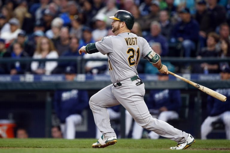 Stephen-vogt-mlb-oakland-athletics-seattle-mariners-768x511