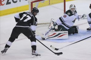 Bryzgalov make a save en route to Minnesota Wild victory in L.A.
