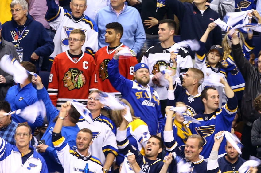 9262659-nhl-stanley-cup-playoffs-chicago-blackhawks-st.-louis-blues