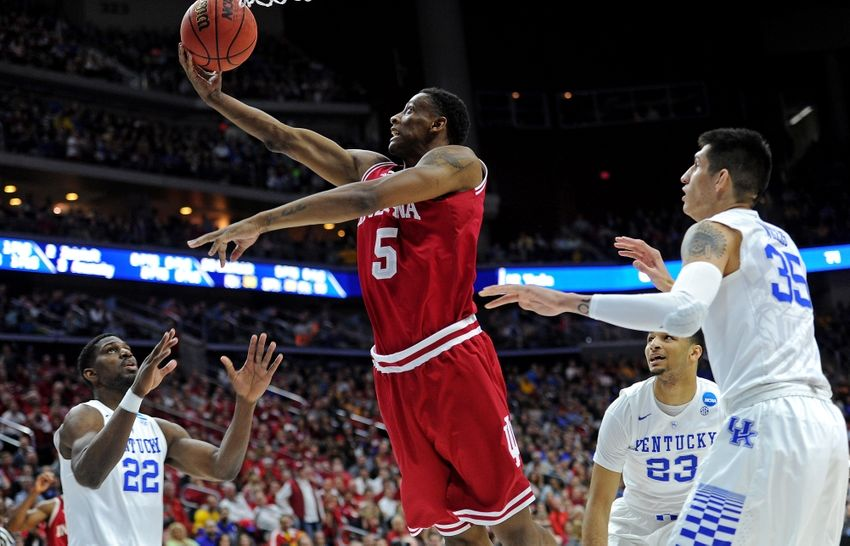 Alex-poythress-troy-williams-ncaa-basketball-ncaa-tournament-second-round-kentucky-vs-indiana-850x546