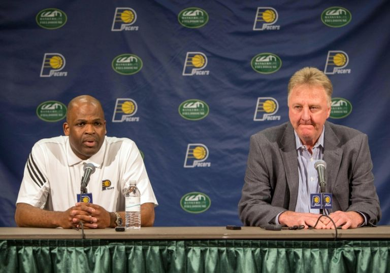 9297167-nate-mcmillan-larry-bird-nba-indiana-pacers-press-conference-768x539