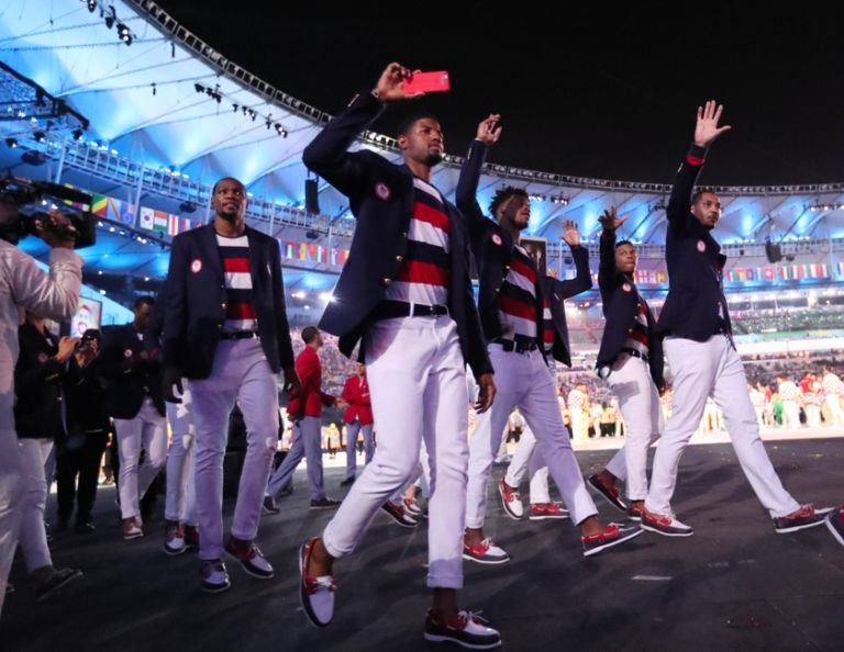 9423702-kevin-durant-jimmy-butler-paul-george-carmelo-anthony-olympics-opening-ceremonies-768x594