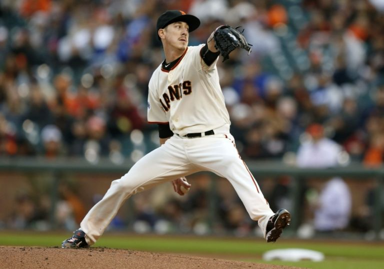 Tim-lincecum-mlb-los-angeles-dodgers-san-francisco-giants-768x539
