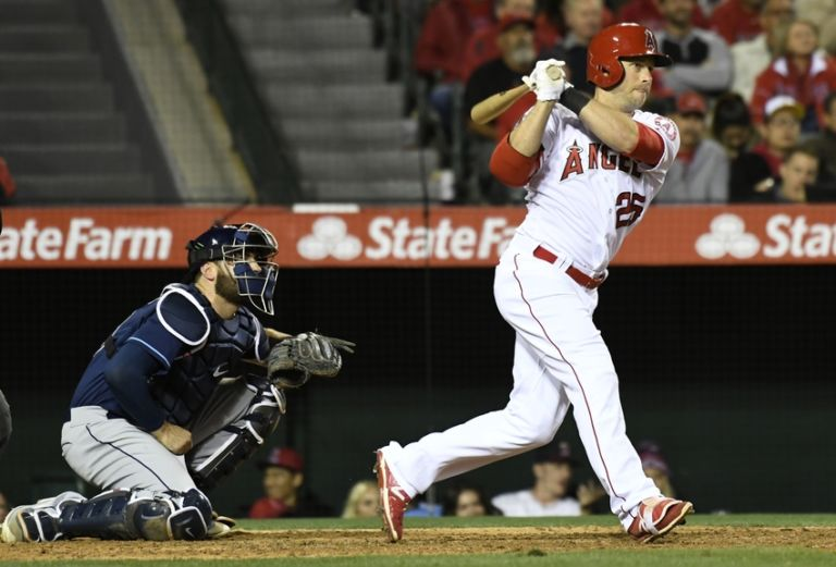 Daniel-nava-mlb-tampa-bay-rays-los-angeles-angels-768x521