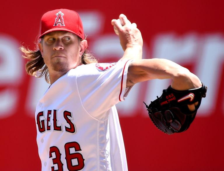 Jered-weaver-mlb-chicago-white-sox-los-angeles-angels-768x585