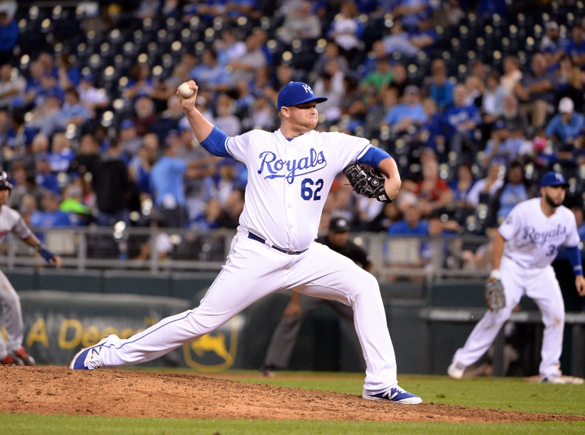 9571305-mlb-minnesota-twins-kansas-city-royals