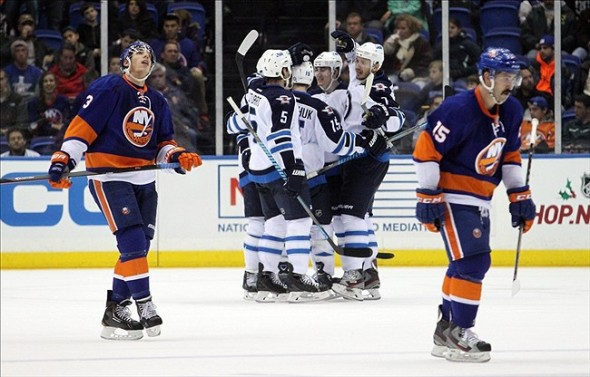 Snap Shots: Islanders Vs Jets — 11/27/13