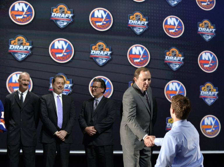 Gary-bettman-nhl-nhl-draft-1-768x572