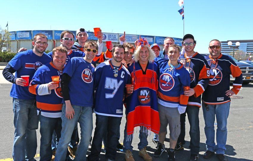 8548178-nhl-stanley-cup-playoffs-washington-capitals-new-york-islanders-850x541