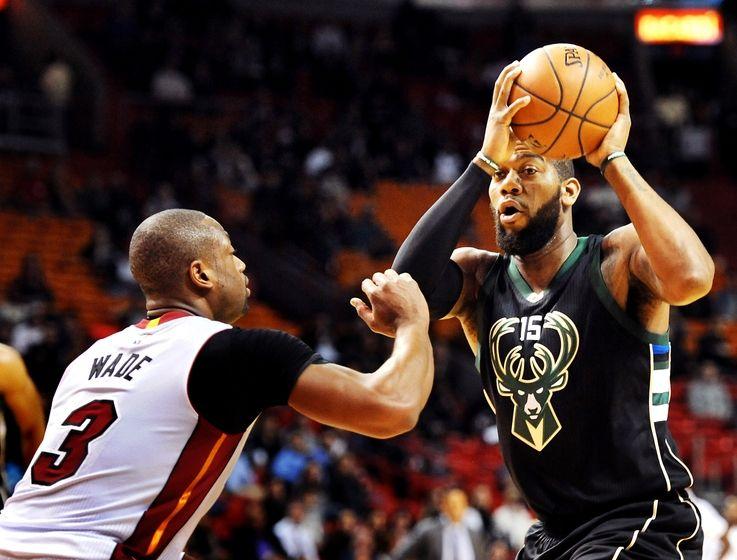 Wade Leads Heat Over Bucks