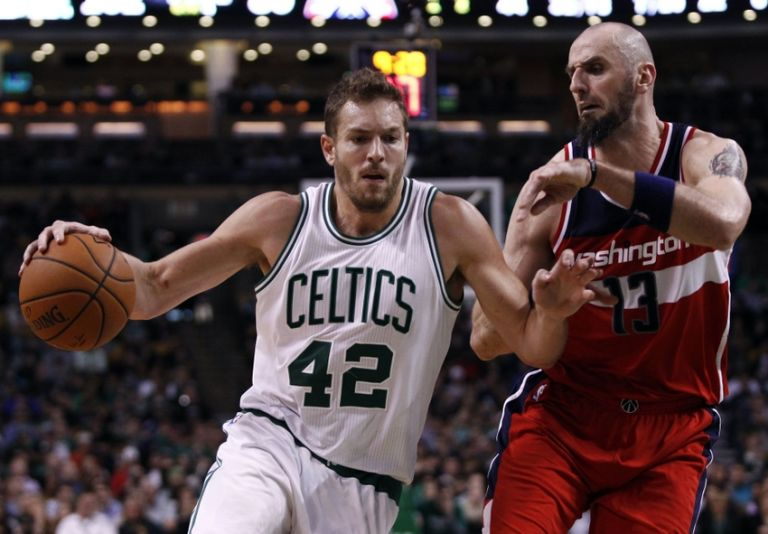 Marcin-gortat-david-lee-nba-washington-wizards-boston-celtics-768x0