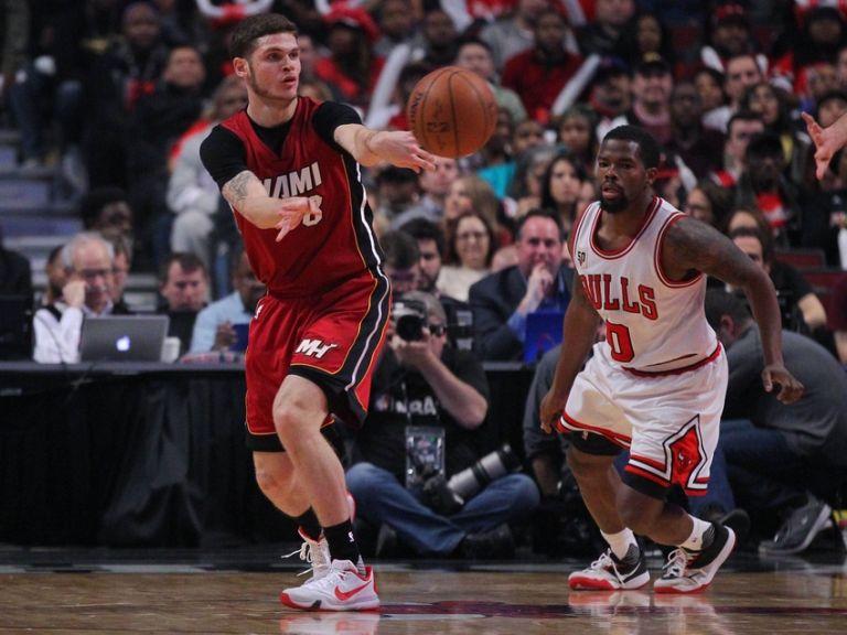 Tyler-johnson-aaron-brooks-nba-miami-heat-chicago-bulls-768x0