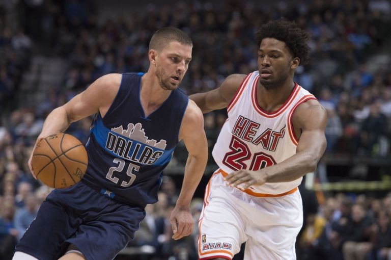 9094285-chandler-parsons-justise-winslow-nba-miami-heat-dallas-mavericks-768x510