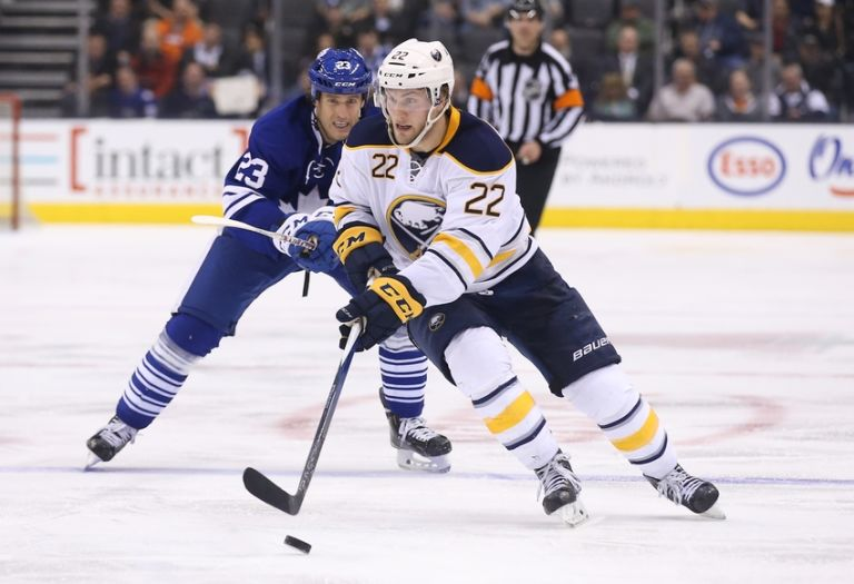 Johan-larsson-brooks-laich-nhl-buffalo-sabres-toronto-maple-leafs-768x525