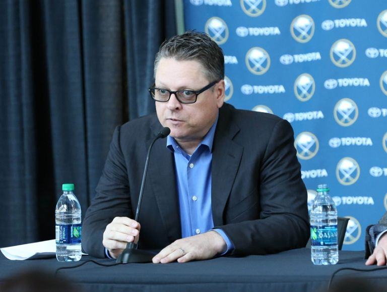 8585847-tim-murray-dan-bylsma-nhl-buffalo-sabres-press-conference-768x579