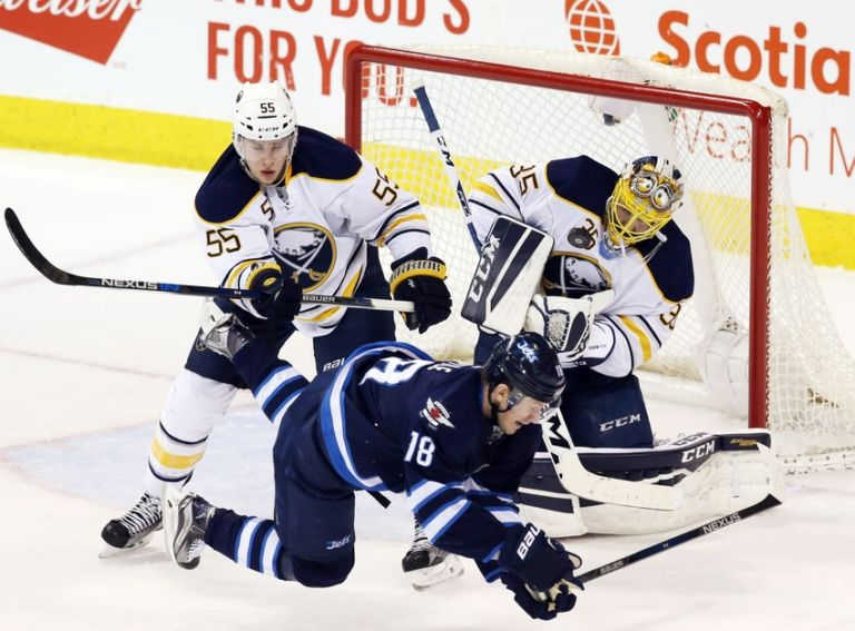9050151-bryan-little-nhl-buffalo-sabres-winnipeg-jets-768x567