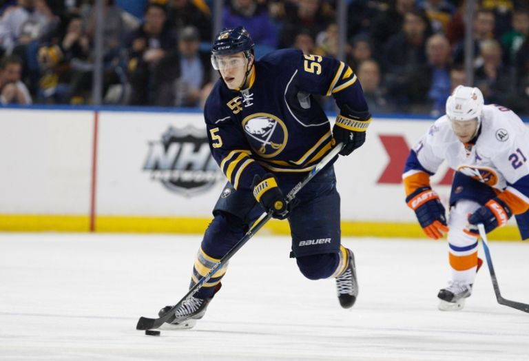 9055753-nhl-new-york-islanders-buffalo-sabres-768x524