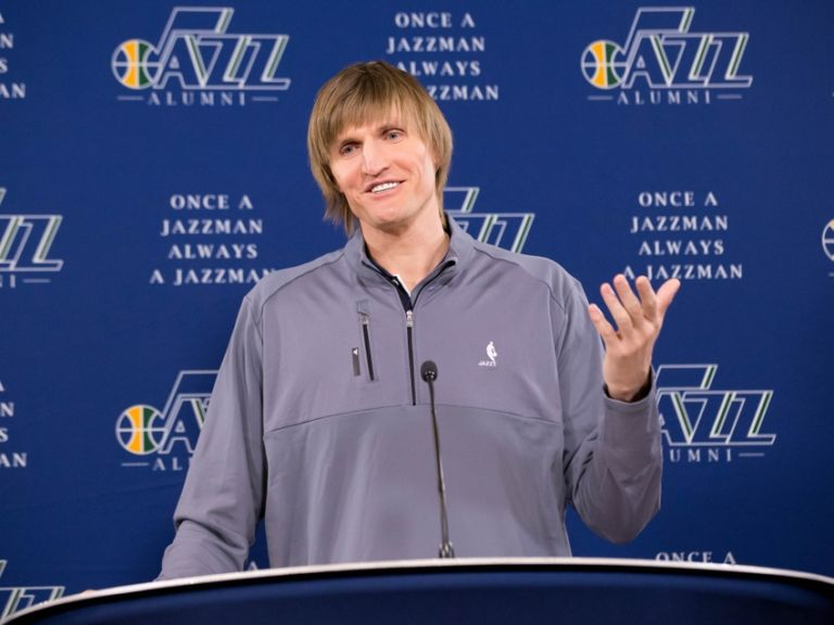 Andrei-kirilenko-nba-los-angeles-lakers-utah-jazz-768x576