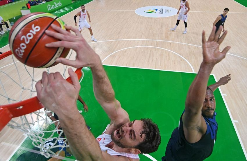 9476285-pau-gasol-boris-diaw-olympics-basketball-men-850x552