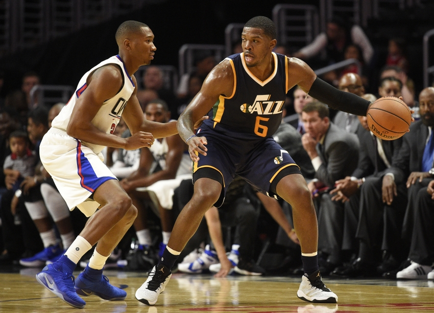 9600759-joe-johnson-wesley-johnson-nba-preseason-utah-jazz-los-angeles-clippers