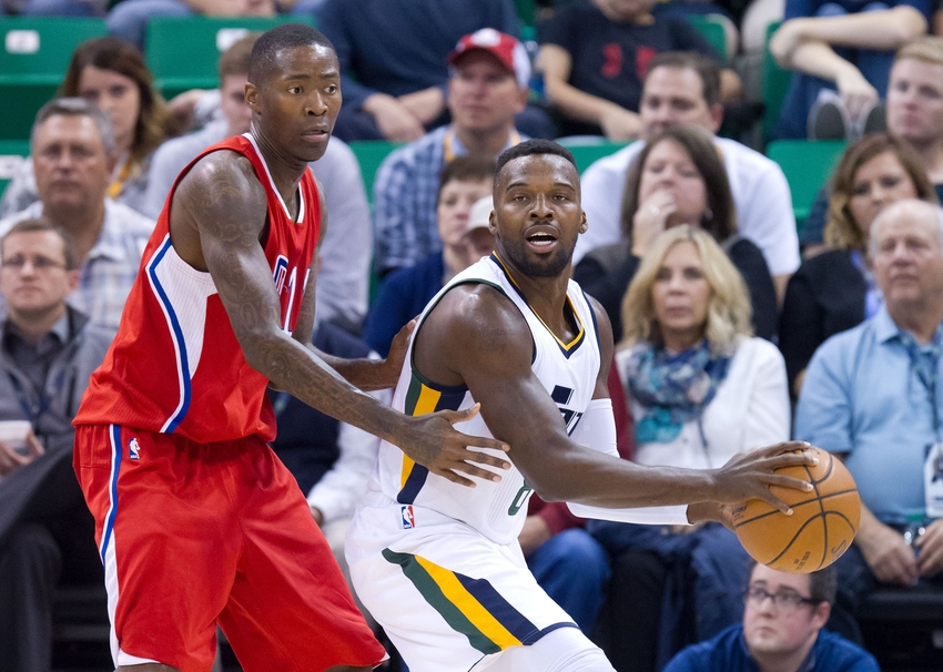 9615759-shelvin-mack-jamal-crawford-nba-preseason-los-angeles-clippers-utah-jazz