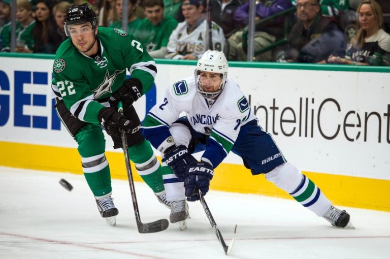 8188209-dan-hamhuis-colton-sceviour-nhl-vancouver-canucks-dallas-stars-768x510