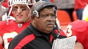 Romeo Crennel struggled in Cleveland, but could be a good fit in KC, especially developing the young defense into an elite unit. (AP Photo/Charlie Riedel)