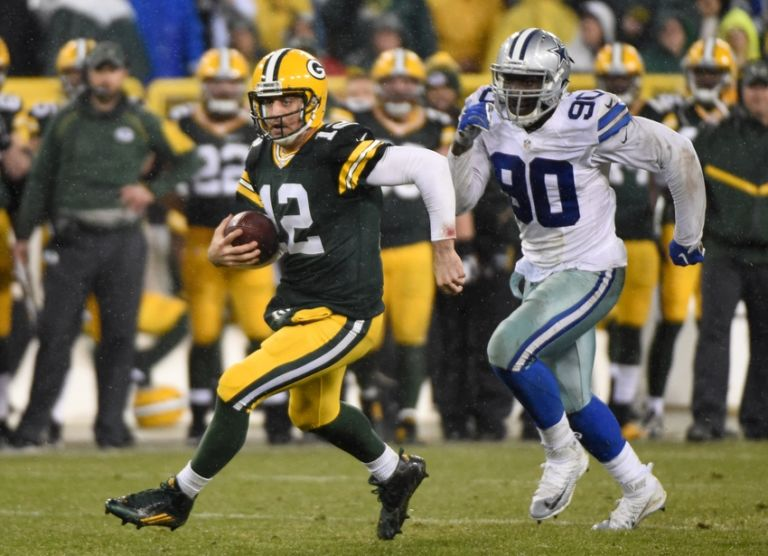 Aaron-rodgers-demarcus-lawrence-nfl-dallas-cowboys-green-bay-packers-768x556