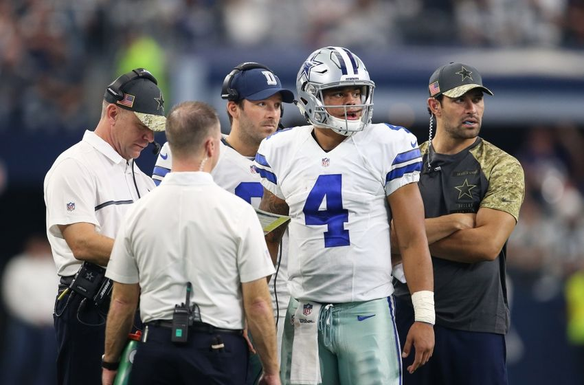 Nov 20, 2016; Arlington, TX, USA; Dallas Cowboys quarterback Dak Prescott (4) during a timeout in the fourth quarter with Tony Romo (9) against the Baltimore Ravens at AT&T Stadium. Mandatory Credit: Matthew Emmons-USA TODAY Sports