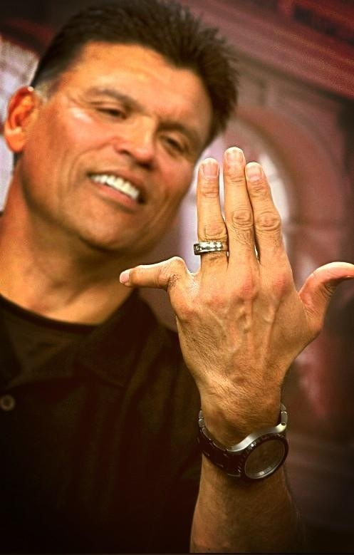 Hall Of Fame Anthony Munoz S Nasty Pinky