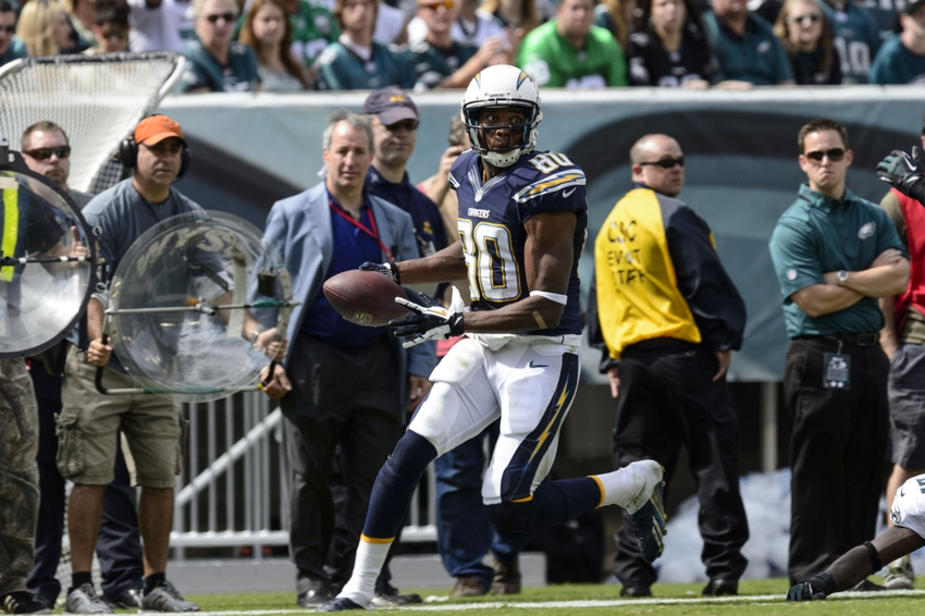 Sep 15, 2013; Philadelphia, PA, USA; San Diego Chargers wide receiver Malcom Floyd (80) carries the ball during the second quarter against the Philadelphia Eagles at Lincoln Financial Field. The Chargers defeated the Eagles 33-30. Mandatory Credit: Howard Smith-USA TODAY Sports