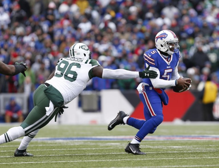 Tyrod-taylor-muhammad-wilkerson-nfl-new-york-jets-buffalo-bills-768x0