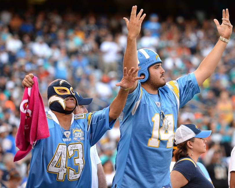 9675788-nfl-miami-dolphins-san-diego-chargers