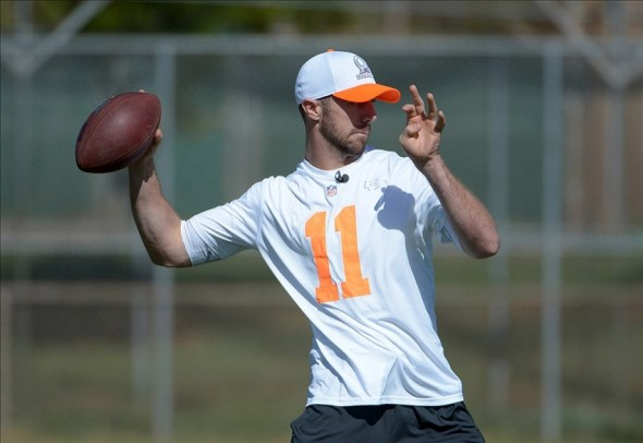January 24, 2014; Kapolei, HI, USA; Kansas City Chiefs quarterback Alex Smith (11) throws a pass during the 2014 Pro Bowl practice at Kapolei High School. Mandatory Credit: Kirby Lee-USA TODAY Sports