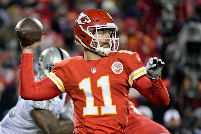 Dec 8, 2016; Kansas City, MO, USA; Kansas City Chiefs quarterback Alex Smith (11) passes against the Oakland Raiders during a NFL football game at Arrowhead Stadium. Mandatory Credit: Kirby Lee-USA TODAY Sports