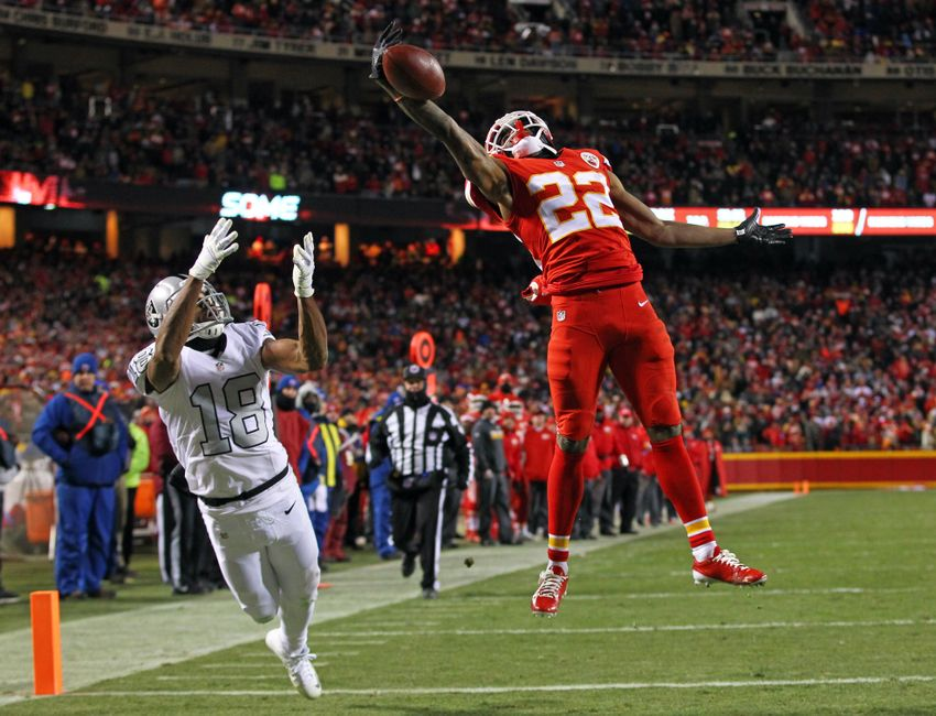 9733675-marcus-peters-andre-holmes-nfl-oakland-raiders-kansas-city-chiefs-2