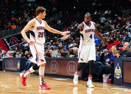 carroll korver and millsap combine for 60 points in win