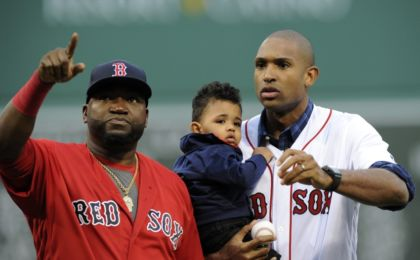 9374703-boston-celtic-david-ortiz-al-horford-mlb-tampa-bay-rays-boston-red-sox-420x260