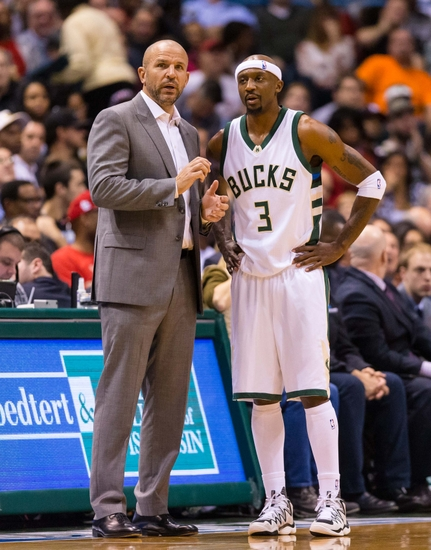 Nov 29, 2016; Milwaukee, WI, USA; Milwaukee Bucks head coach Jason Kidd talks with guard Jason Terry (3) during the game against the Cleveland Cavaliers at BMO Harris Bradley Center. Mandatory Credit: Jeff Hanisch-USA TODAY Sports