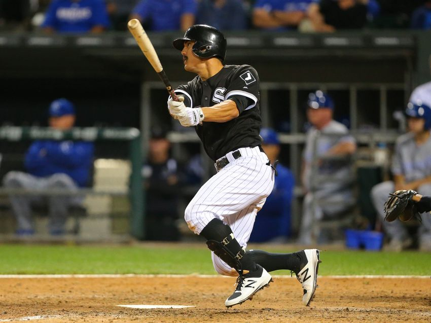 9534082-tyler-saladino-mlb-kansas-city-royals-chicago-white-sox