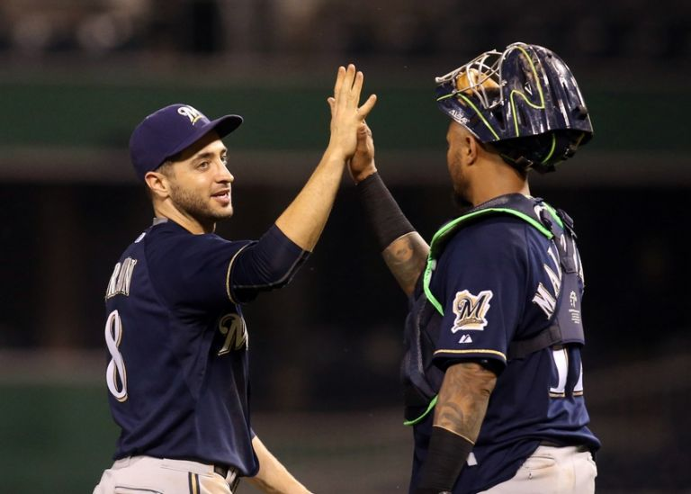 Martin-maldonado-ryan-braun-mlb-milwaukee-brewers-pittsburgh-pirates-768x0