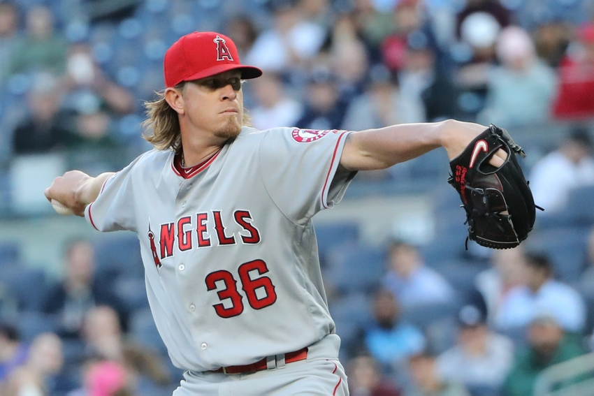 Jered-weaver-mlb-los-angeles-angels-new-york-yankees