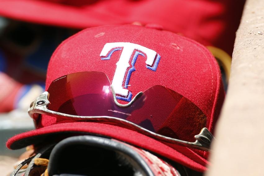 8730020-mlb-san-francisco-giants-texas-rangers