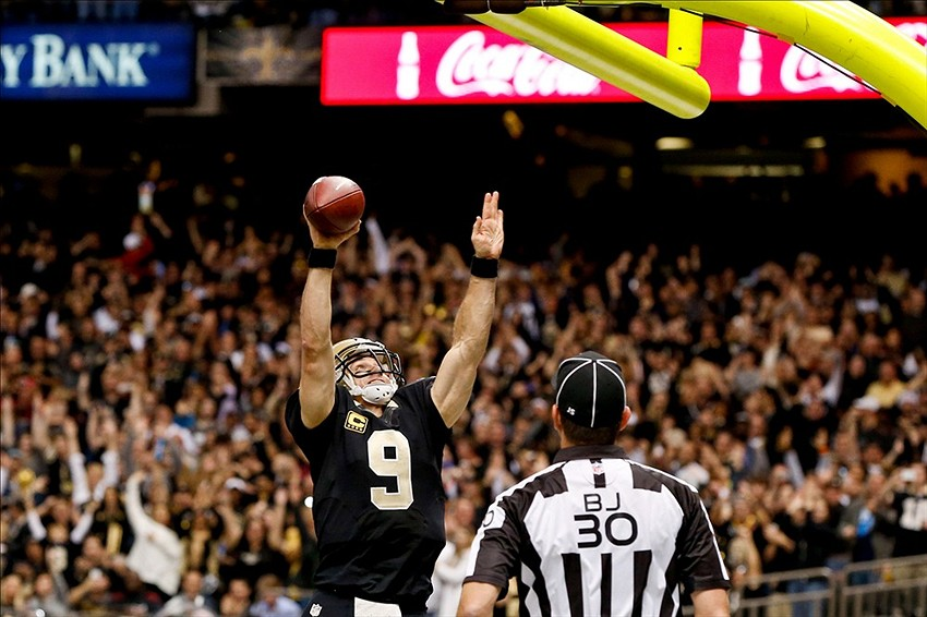 Drew Brees Dunk Gif Drew Brees 9 Dunks Over