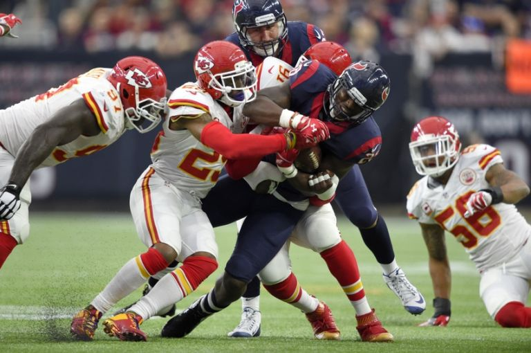 Eric-berry-tamba-hali-alfred-blue-nfl-afc-wild-card-kansas-city-chiefs-houston-texans-768x0