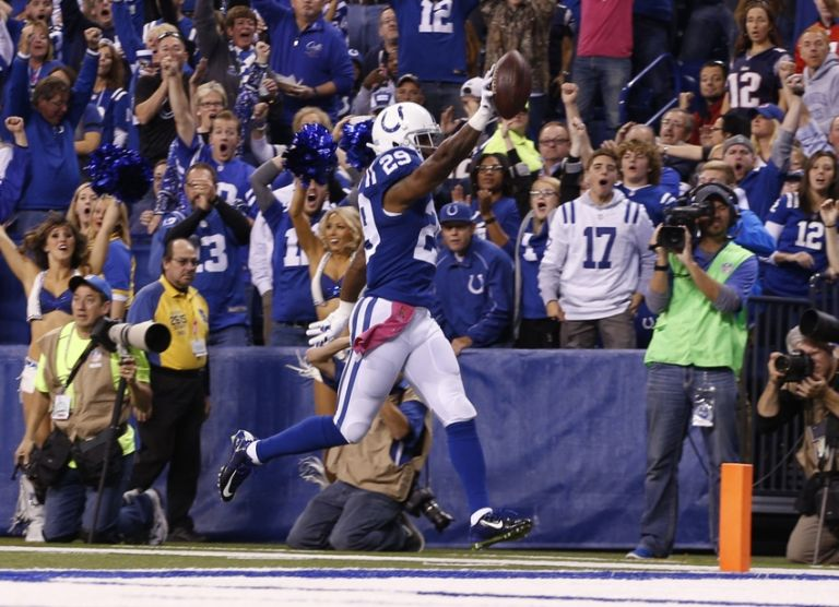 Mike-adams-nfl-new-england-patriots-indianapolis-colts-768x0